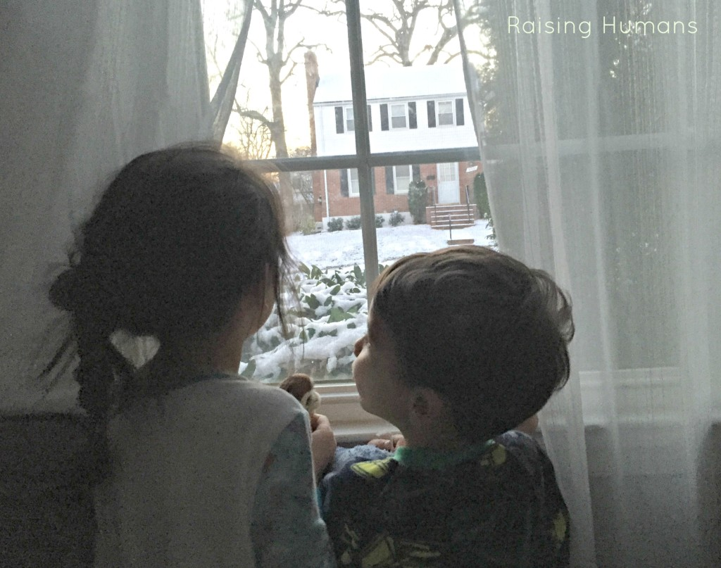 kids window snow