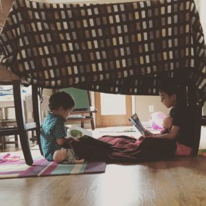 kids blanket fort